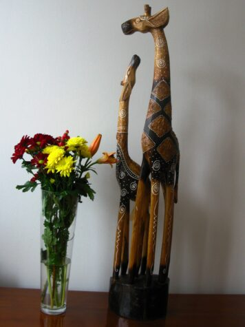 Gina the wooden giraffe 100cm